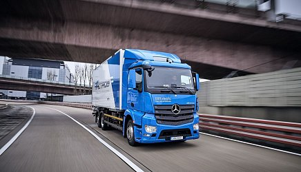 Mercedes-Benz eActros photo 3