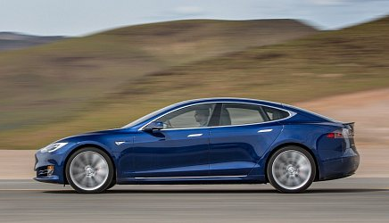 Tesla Model S Standard Range photo 2