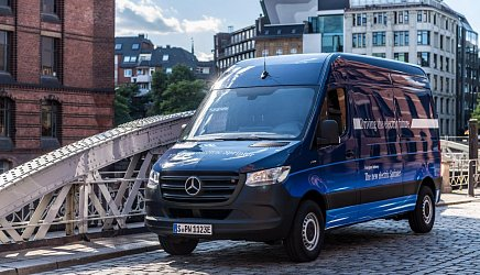 Mercedes eSprinter photo 0