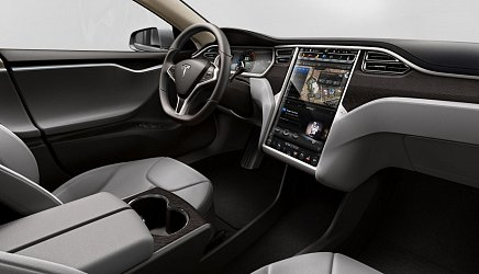 Tesla Model S Performance photo 4