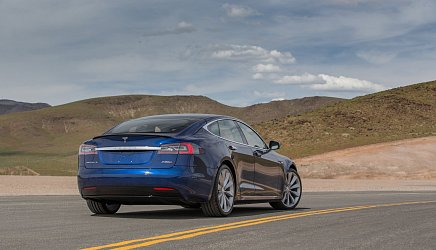 Tesla Model S Standard Range photo 3