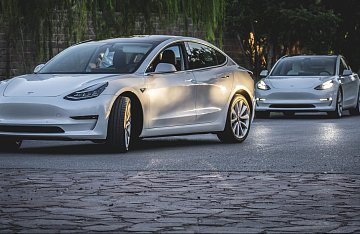 Things to know when buying a Model 3